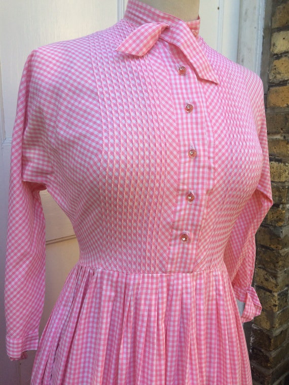 Pretty pink 50s gingham dress - image 2