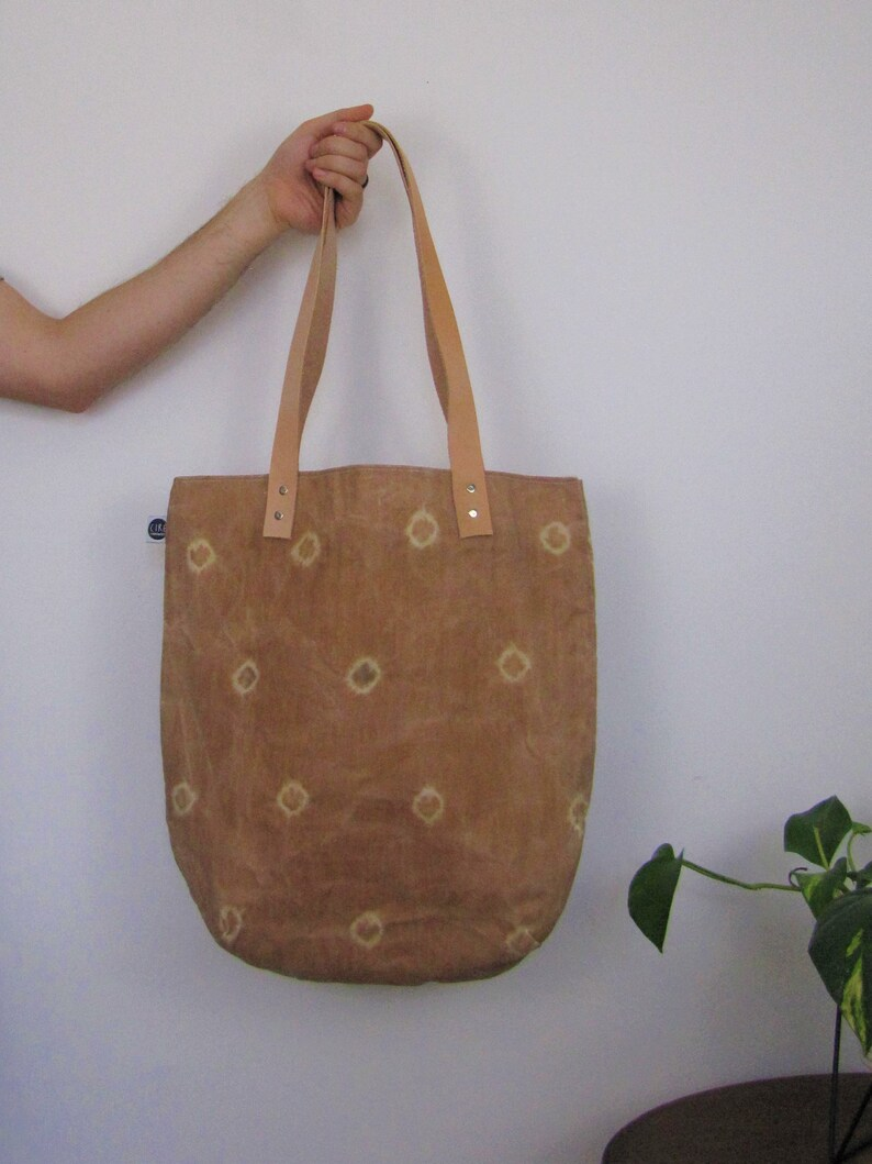 dyed naturally Waxed Linen shoulder bag leather handles