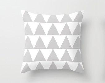 Grey and White Triangle Pattern Throw Pillowcase