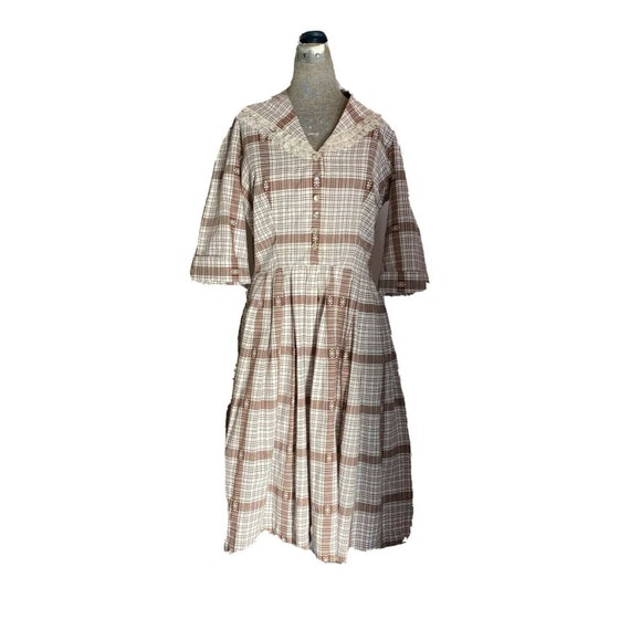 Vintage 40s Brown and White Plaid Day Dress Lace C