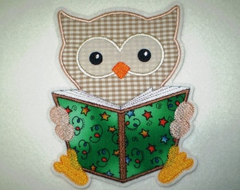 Patch Large Owl with book application 15.3 cm