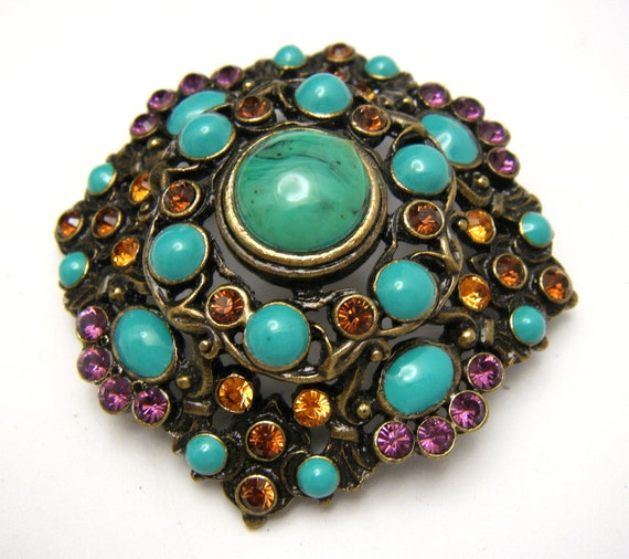 Gorgeous Joan Rivers Brooch Turquoise Glass Caboch
