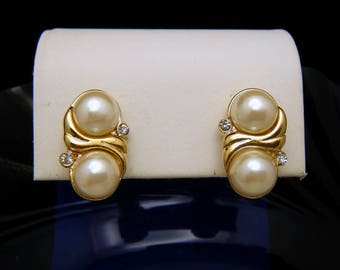 Vintage 1970s Trifari Gold Tone Faux Pearl Rhinestone Clip On Earrings