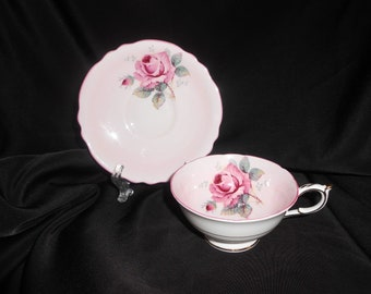 Paragon Tea Cup Pink With Pink Roses 1939-1949 Fine China Tea Party Fine English China Floral Flowers Home Entertaining