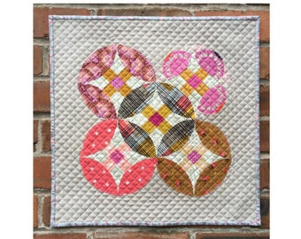 Crossed Orange Peel pattern - hand pieced mini quilt with free BONUS technique guide - PDF pattern / instant download