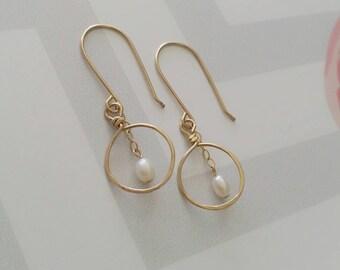 Gold circle earrings, Pearl earrings, Gold filled earrings, Dangle pearl earrings, Bridal earrings, Circle earrings, Round gold earrings