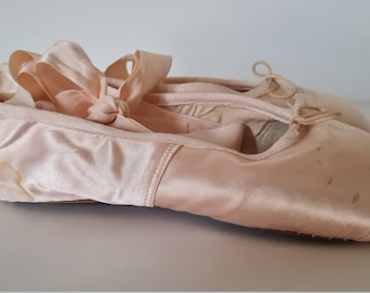 Vintage Porselli Pink Satin Ballet Pointe Shoes/Hand Made in Leather/Made in Milan Italy/Bespoke Midcentury Ballet Decor Item