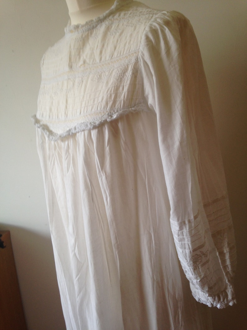 Victorian nightgown 90s repro