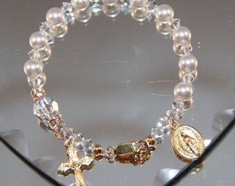 Catholic Swarovski Pearl One Decade Rosary Bracelet in Gold