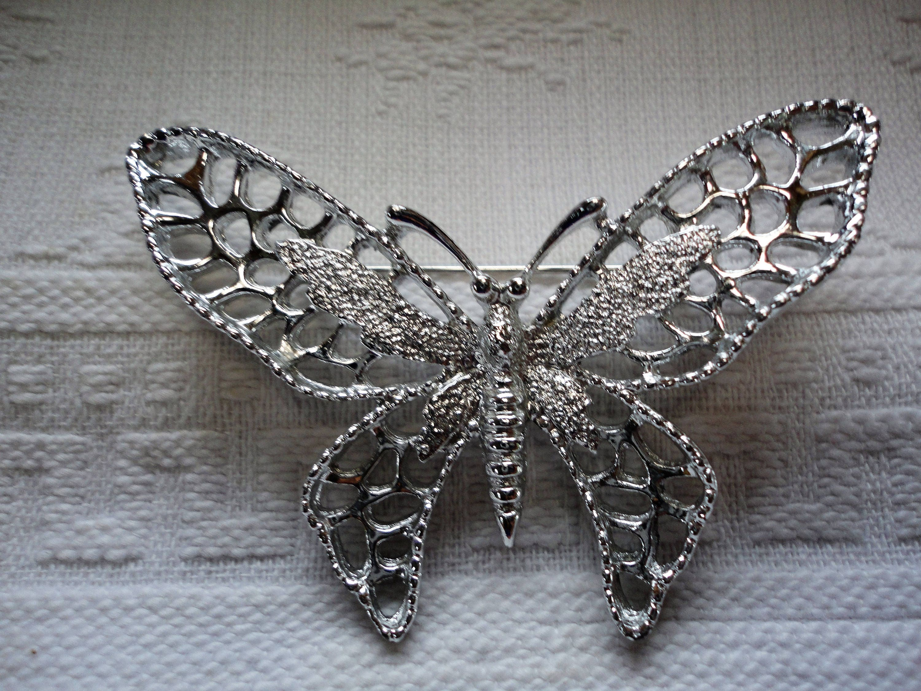 large sarah coventry silver butterfly pin brooch