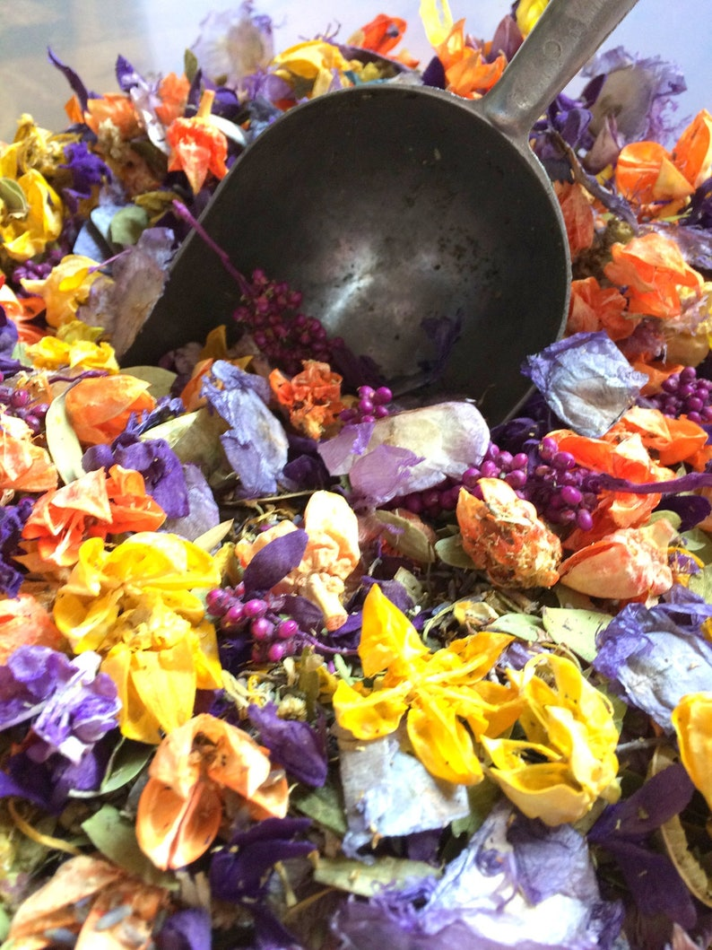 Lavender & Chamomile Potpourri  A Relaxing Calming Soft image 0