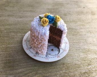 Tiny sweet rose cake!
