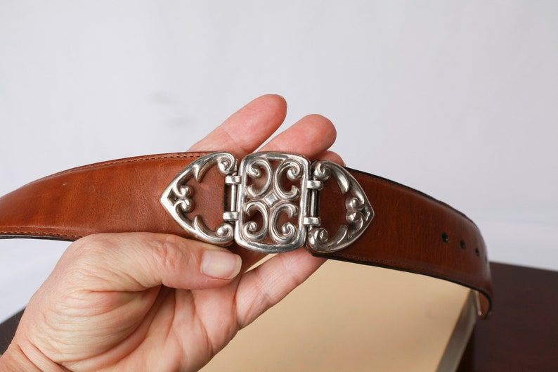 BRIGHTON Leather Belt with Hinged Silver Hearts on Sides Size Medium 28 Made in the USA