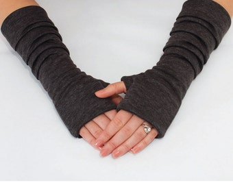 Fingerless Gloves Pattern with Pleats. PDF Glove Sewing Pattern.