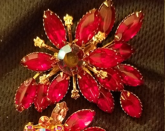 RED Pin & Earring set, Gold tone setting, Mid century, Beau Jewels, 1960s, 1950s, Jewelry, wedding, estate, Vintage, Antique, old, brooch