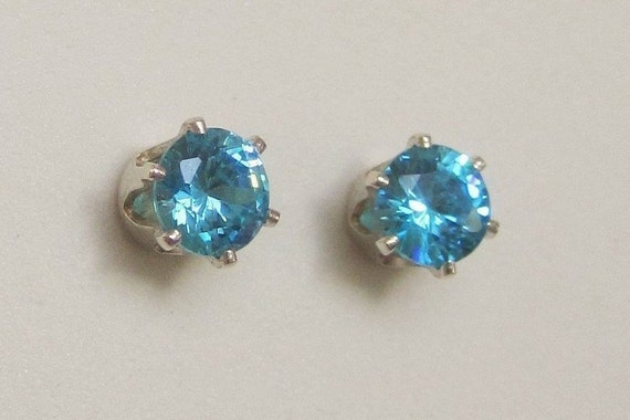 .925 Sterling Silver 5 MM Light Blue CZ Teardrop Post Stud Earrings