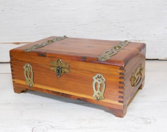Vintage antiqued wooden box crate Dorset Oyster Storage Chest