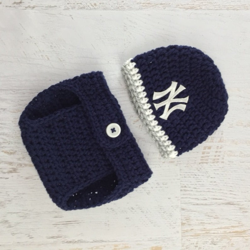 e0d9703c5 Baby Yankees Hat, Baby Boy Hat, Baby Girl Hat, Yankees Diaper Cover Set,  Yankees Baseball Hat, New York Yankees Baby Hat, Newborn Prop