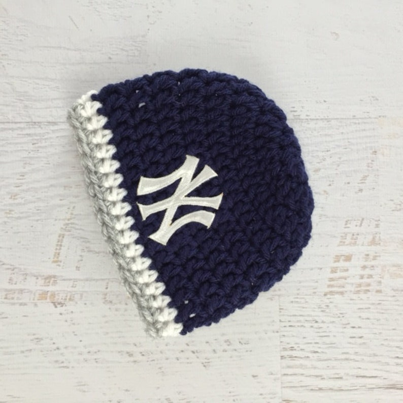 f114a8f73 Baby Yankees Hat, Baby Girl Hat, Baby Boy Hat, Yankees Baseball Hat, New  York Yankees Baby Hat, Newborn Prop, Photo shoot, Crochet Baby Hat