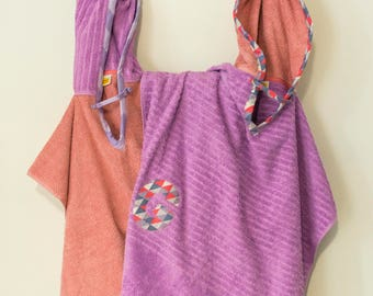 Hooded Towel Poncho, Personalized, in Lilac and Soft Pink, Blush. Boy or Girl print (your choice). Bath Towel. Beach towel.