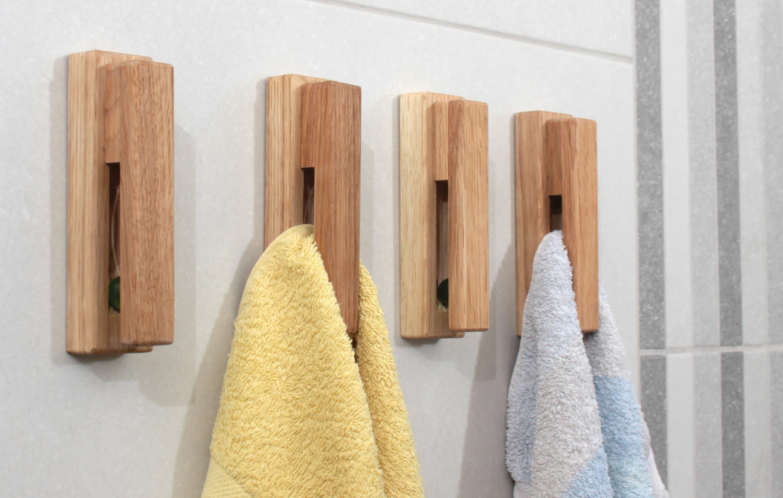 Oak Wood Towel Holder Set Of 4 Eco, Wooden Towel Hooks For Bathrooms