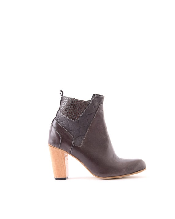 Sale! 60% OFF! Handmade boots, Gray Heel Boots, High Heels leather boots, Leather Booties, Winter Shoes, western boots, evening boots