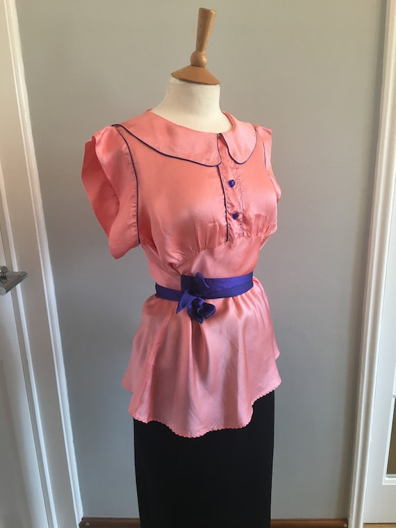 A lovely 1960s baby pink silk shirt with electric… - image 5