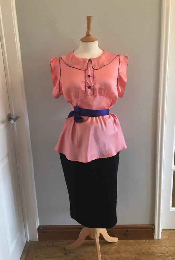 A lovely 1960s baby pink silk shirt with electric… - image 2