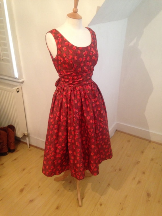 Stunning vintage 1950's Autumn rose fit and flare