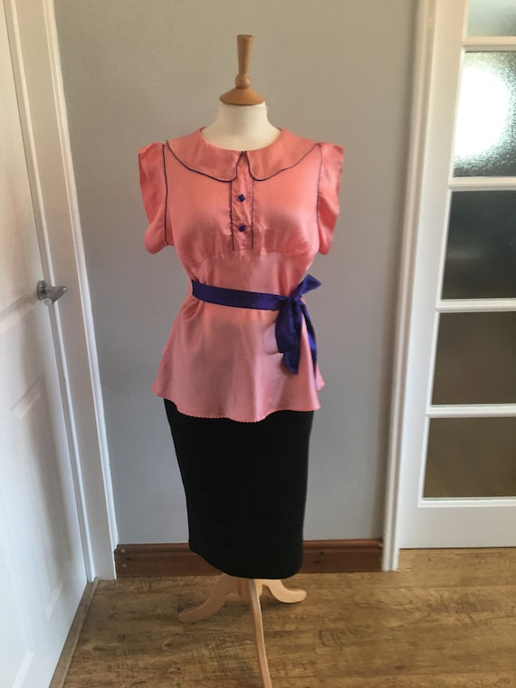 A lovely 1960s baby pink silk shirt with electric… - image 7