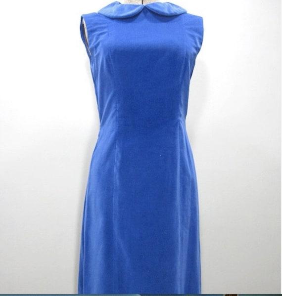1960s vintage electric blue velvet shift dress wi… - image 4