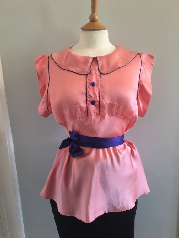 A lovely 1960s baby pink silk shirt with electric… - image 4