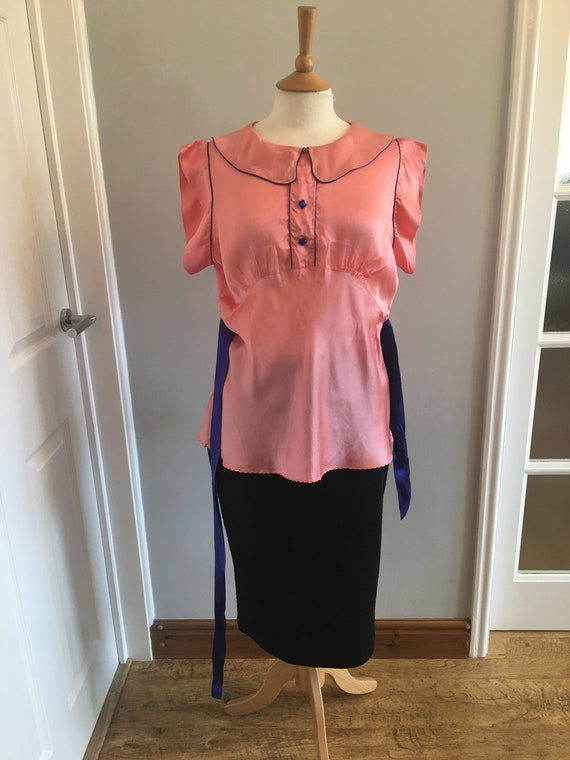 A lovely 1960s baby pink silk shirt with electric… - image 9