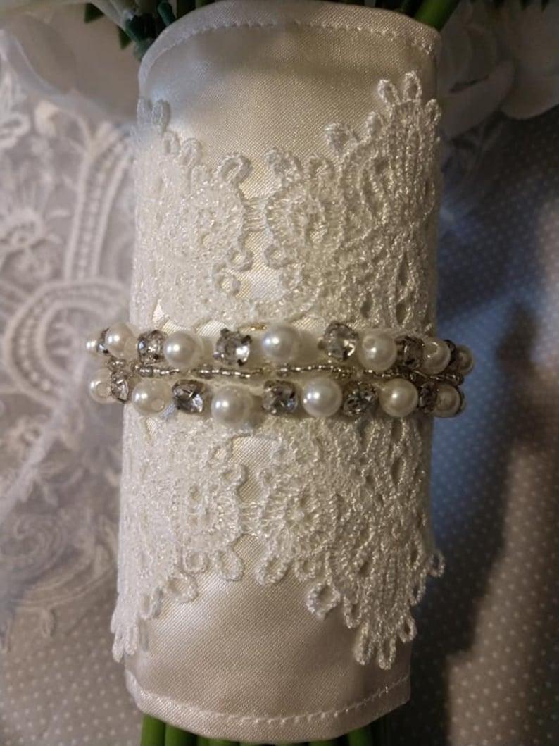Bridal bouquet wrap