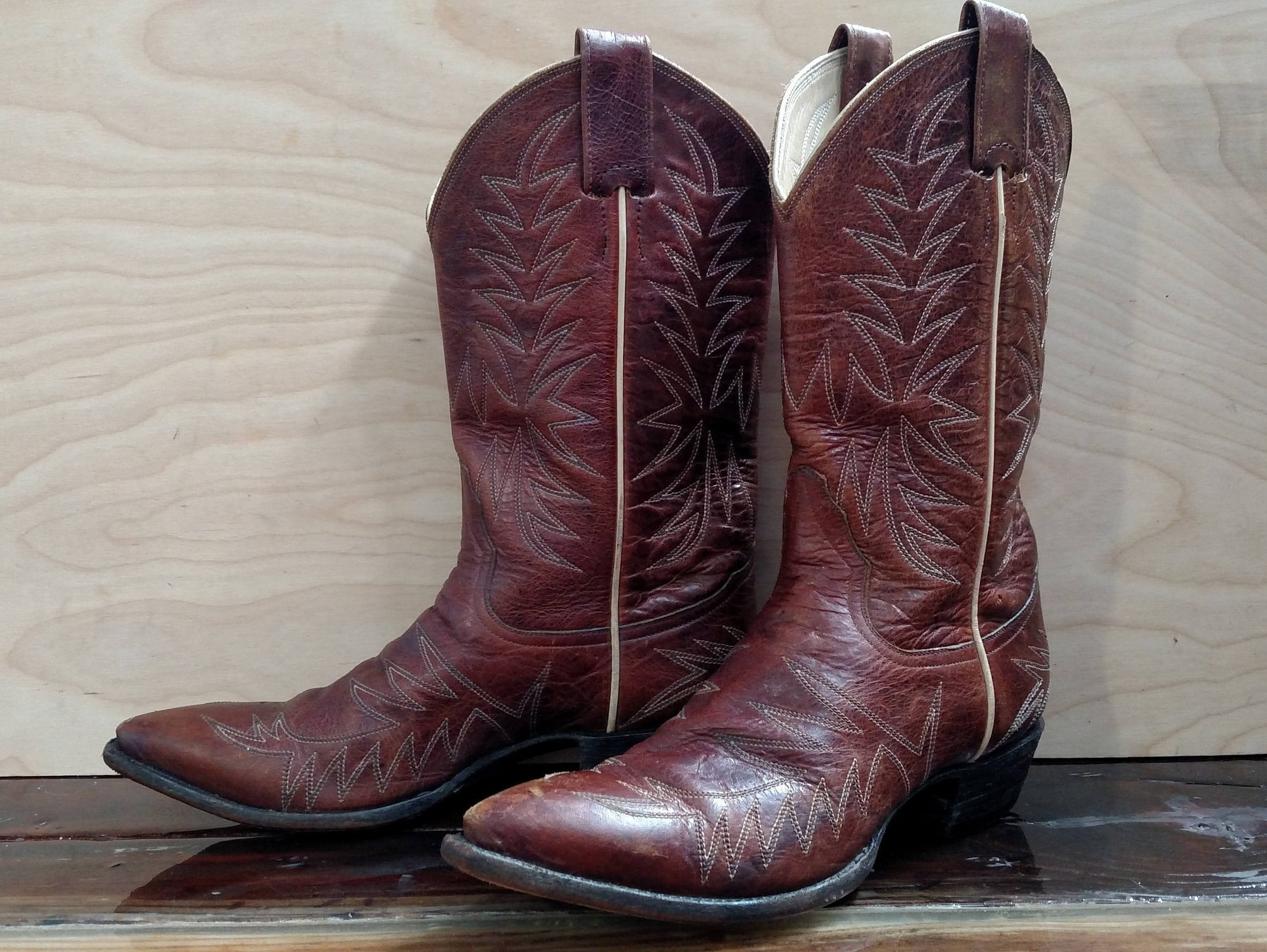 c9bcfce44c8 LARRY MAHAN Vintage Women's Boots Size 6.5 B..Brown Leather with  Top-Stitching..Made in El Paso Texas
