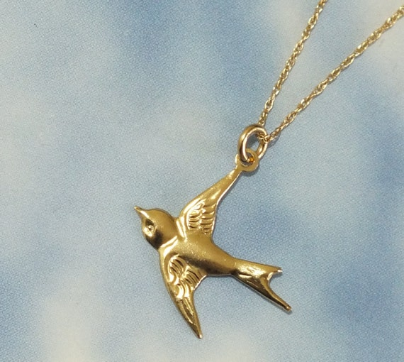 Solid Gold Bird Necklace 14k Gold Sparrow Necklace Delicate  2a0cbd366