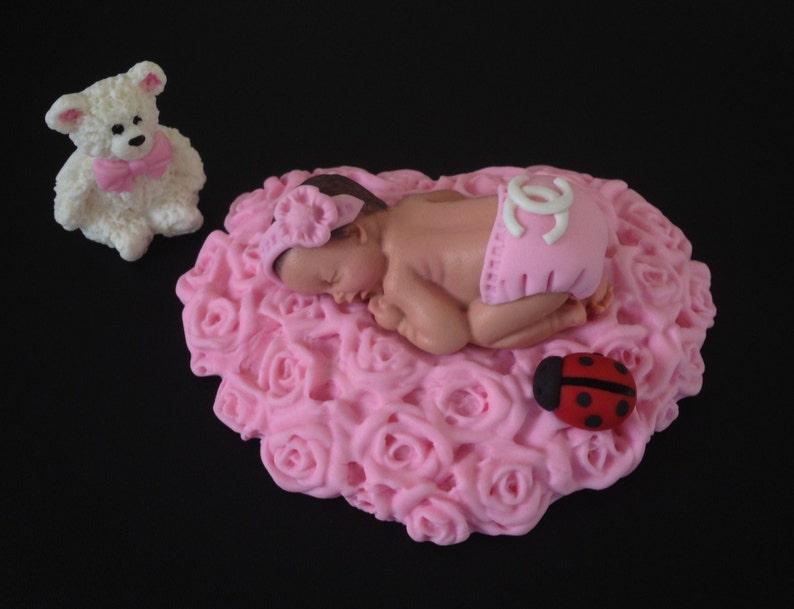 Bed Met Rozen.Fondant Ontwerper Logo Baby Liggend Op Een Roze Bed Van Rozen Etsy
