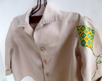Vintage Autumn Fall or Spring Child's Toddler's Unisex Khaki Shirt Jacket Pleated Back with Applique Kite on Sleeve