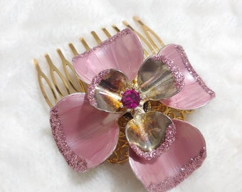 Vintage BLUSH PINK Glitter and Rhinestone Floral Motif Hair Comb-pink petals with glitter tips- gold tone metal-pink rhinestone center-bride