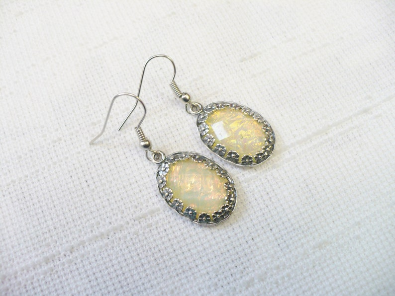 bridesmaid gift Lovely Vintage Opal Like Cabochon Earrings silver tone metal pronged setting Bridal wedding Formal light weight