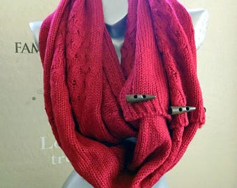 On SALE!Gift for him or her! Very warm infinity scarf with Cute button.Men's scarf . winter infinity scarf. Red with Navy infinity scarf