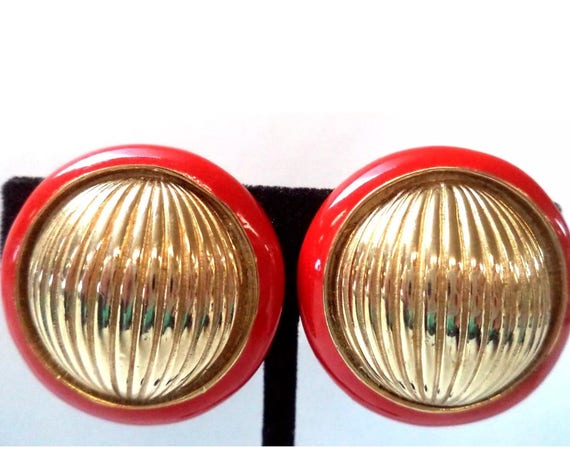 DONALD STANNARD Red Enamel & Goldtone Round Earrings, Classic and Classy, Elegant  Vintage Clip ons