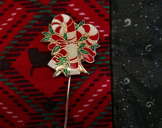 Vintage Mid Century Enamel Holiday Christmas Candy Cane Stick Pin