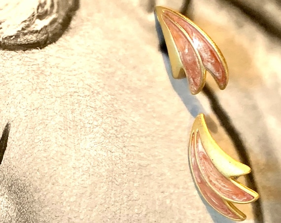Awesome 80s Vintage Peach Enamel Wing Earrings, Matte Gold tone with Post backs, Positive Energy, Good Vibes