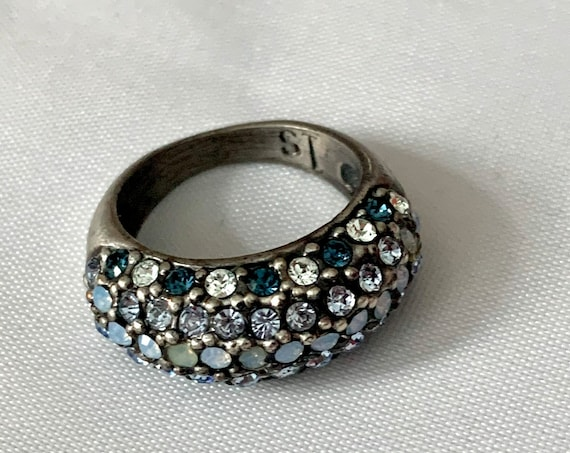 Stylish Shades of Blue Modernist Cocktail Ring Size 7 - Glamour Jewelry Statement Ring