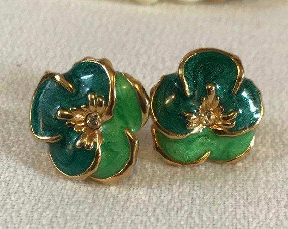 Vintage Green Enamel Pansy Flower Earrings, Irish Mothers Day Gift, Spring Green Floral Stud Earrings