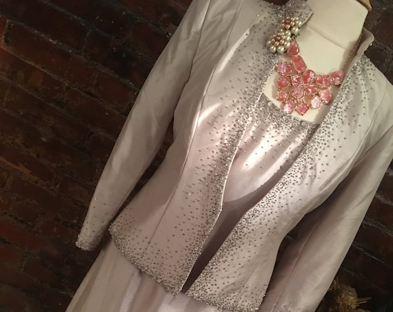 A lovely Vintage Beaded Champagne Sleath Gown & Curvy Matching Evening Jacket Size 8P