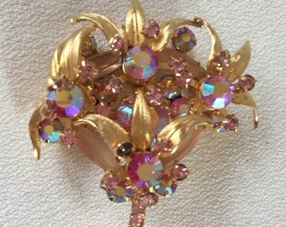 Juliana Pink Rhinestones & Golden Leaves Vintage Brooch, Now Trending Hollywood Regency Unisex Lapel Pin, Bridal Party Corsage Boutonniere