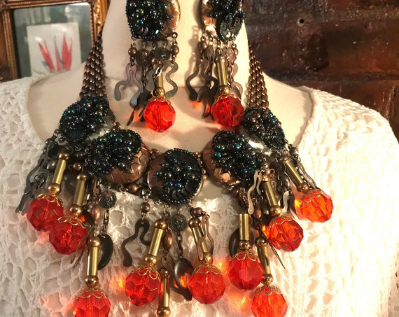 Absolutely Gorgeous Bronzetone and Firey Cherry Lucite Big Abstract Modern Awesome 80's Bling Sexy Bodacious Runway Necklace & Earring Set