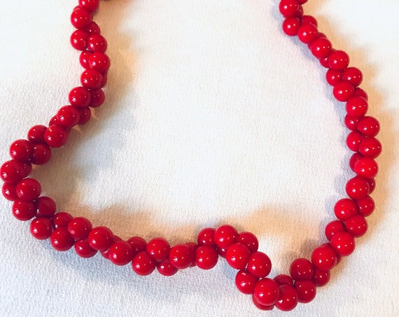 Rockabilly Cherry Red Cluster Bead Choker with Screw Clasp, Post War Mid Century Plastic Jewelry